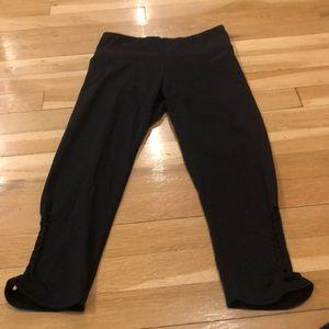 Black leggings with design